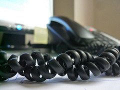 4 ways that a phone answering service can improve your business